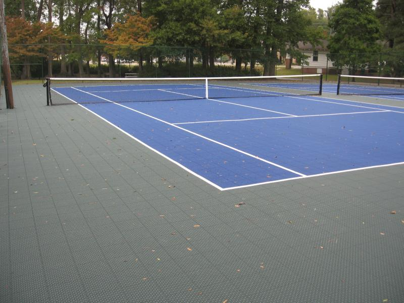 Dargan Place Tennis Courts, S Trade St.